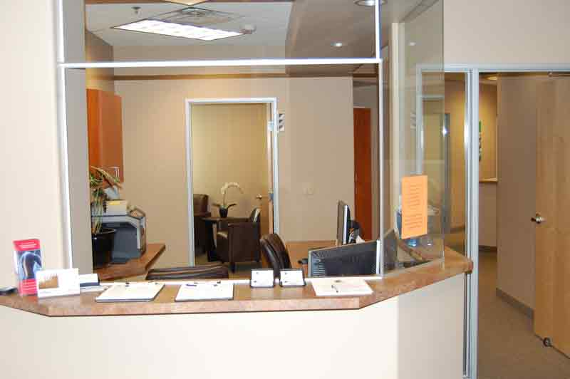 bluestone-chiropractic-group-north-scottsdale-receptionist-desk