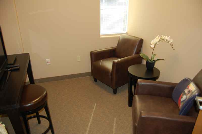 bluestone-chiropractic-group-north-scottsdale-waiting-room