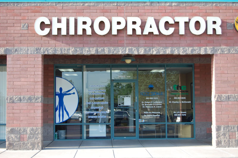 bluestone-chiropractic-group-south-scottsdale-office-front-of-building