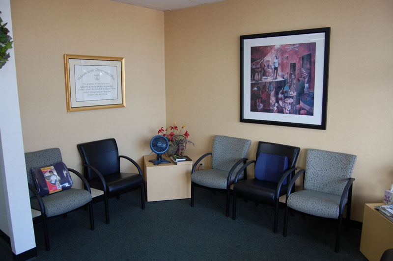 bluestone-chiropractic-group-south-scottsdale-office-waiting-room
